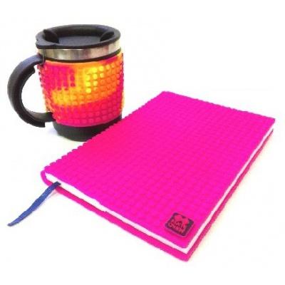 Kreatives SET - Pixel Notizbuch mit Umschlag in violette + Pixel Thermotasse bunt